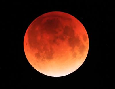 10月8日は皆既月食、2014は久々の撮影チャンス!ベストな時間は?